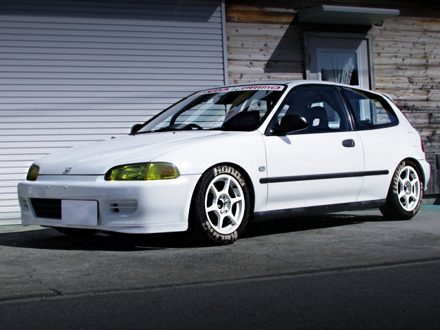 FRONT EXTERIOR OF EG6 CIVIC SIR