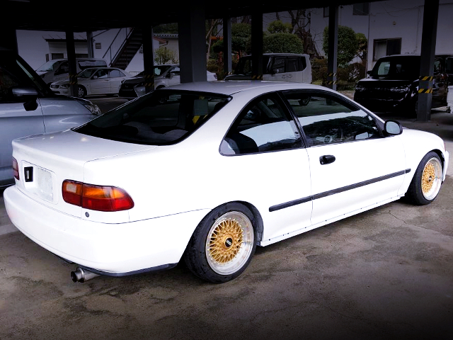 REAR EXTERIOR OF EJ1 CIVIC COUPE