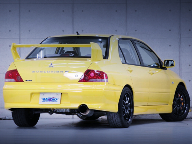 REAR EXTERIOR OF EVO7
