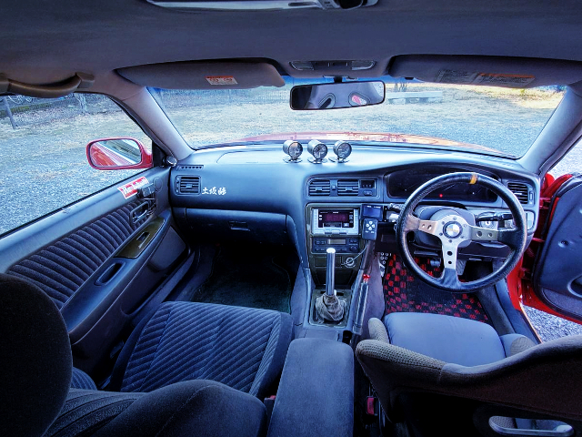 INTERIOR OF JZX100 CHASER