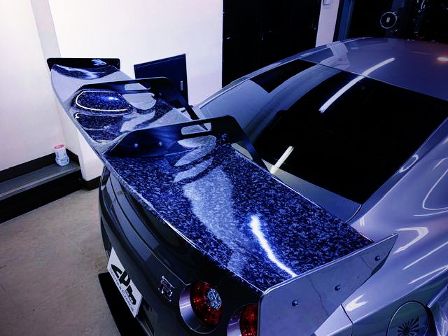 CARBON WING OF R35 LB-WORKS GT-R