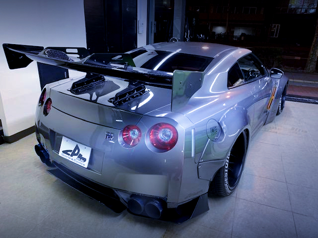 REAR EXTERIOR OF R35 LB-WORKS GT-R