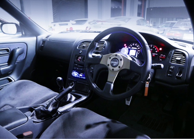 INTERIOR DASHBOARD OF R33 GT-R V-SPEC