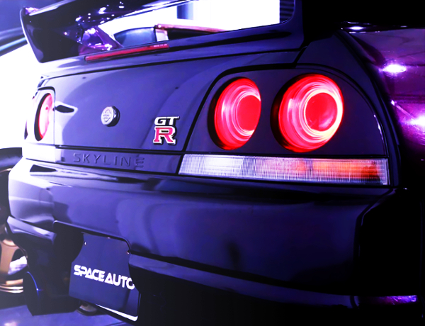 REAR TAIL LIGHT OF R33 GT-R V-SPEC
