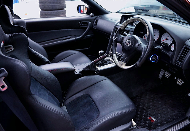 INTERIOR OF R34 GT-R V-SPEC
