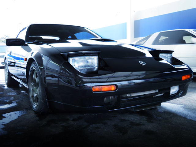 FRON EXTERIOR OF Z31 FAIRLADY Z 200ZR-2 2BY2 T-BAR ROOF