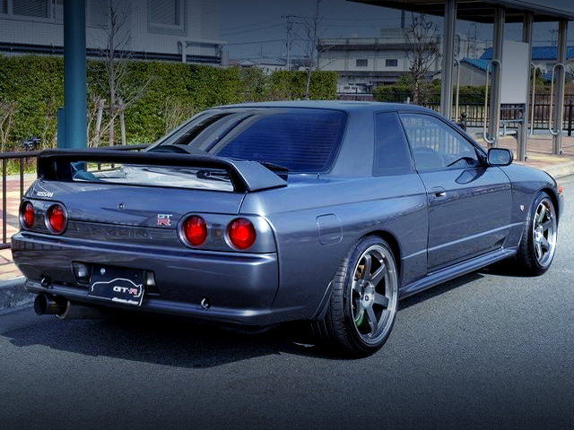 REAR EXTERIOR OF R32 GT-R GUN METALLIC