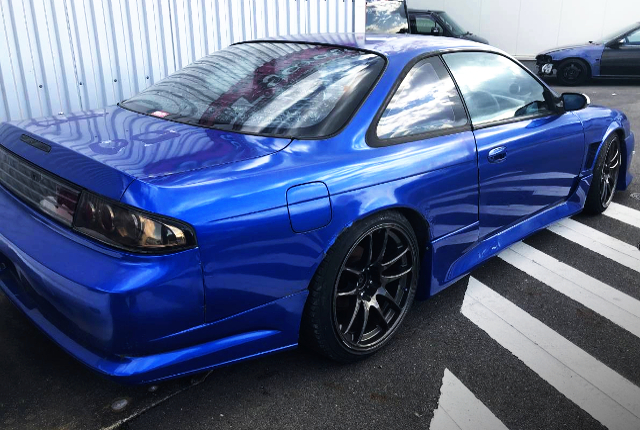 RIGHT SIDE EXTERIOR OF S14 SILVIA