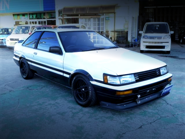 FRONT EXTERIOR OF AE86 LEVIN TO TRUENO CONVERSION CAR