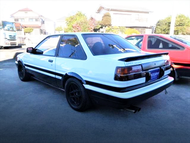 REAR EXTERIOR OF AE86 LEVIN TO TRUENO CONVERSION CAR