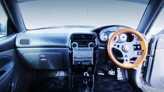 INTERIOR OF DAIHATSU OPTI AERO DOWN BEEX