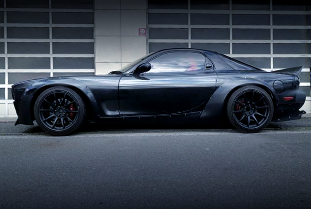 LEFT SIDE EXTERIOR OF FD3S EFINI RX-7 With PANDEM BOSSKIT WIDEBODY