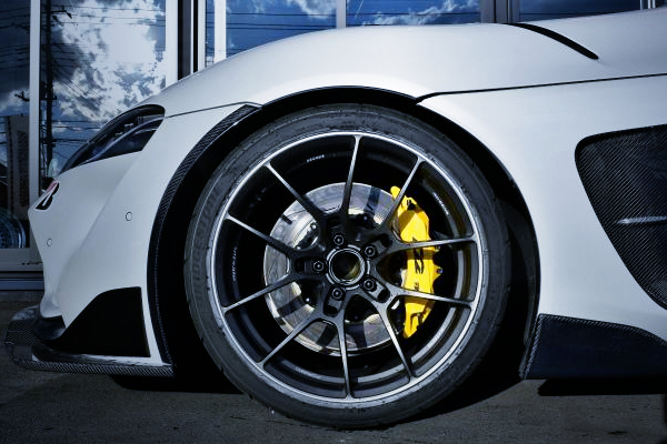 FRONT D2 BRAKE AND RAYS G025 WHEEL