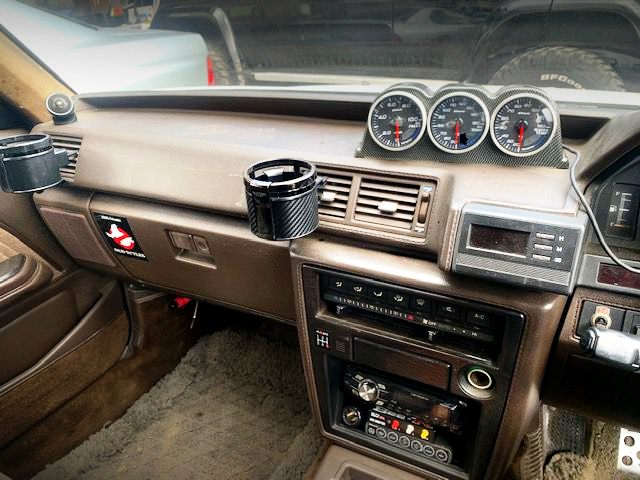 GAUGES AND DASHBOARD