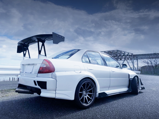 REAR EXTERIOR OF EVO5 GSR WIDEBODY