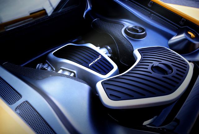 MCLAREN V8 TWINTURBO ENGINE.