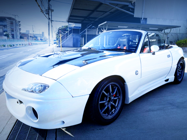FRONT EXTERIOR OF NA6CE ROADSTER