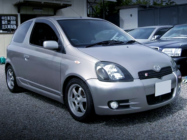 FRONT EXTERIOR OF NCP13 VITZ RS.