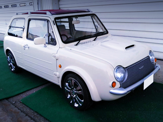 FRONT EXTERIOR OF NISSAN PAO