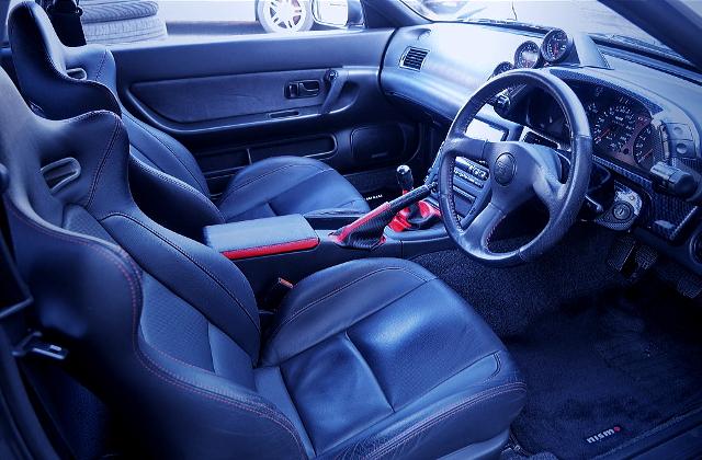 INTERIOR OF R32 GT-R V-SPEC2
