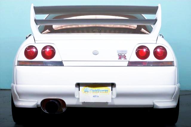 REAR TAIL LIGHT OF R33 GT-R
