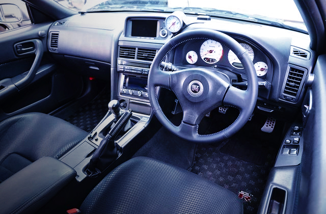 INTERIOR DASHBOARD AND STEERING