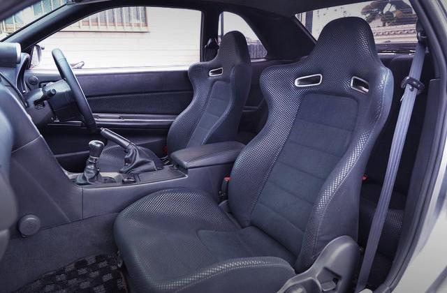 R34 GT-R V-SPEC2 SEATS