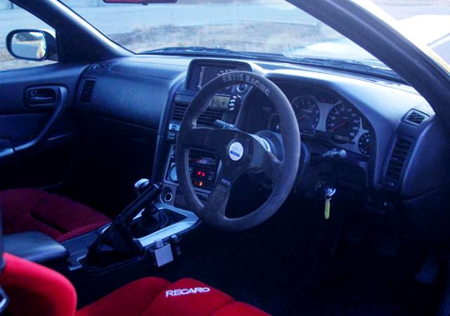 R34 SKYLINE GT-R INTERIOR.