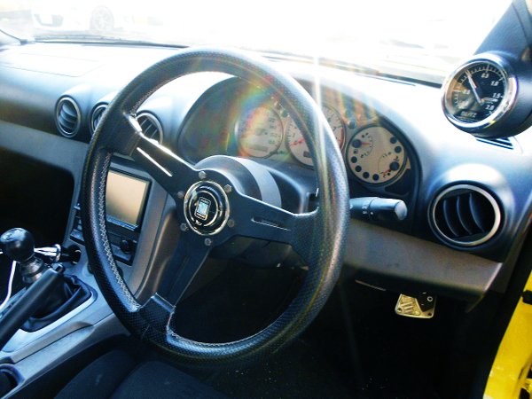 INTERIOR STEERING AND CLUSTER
