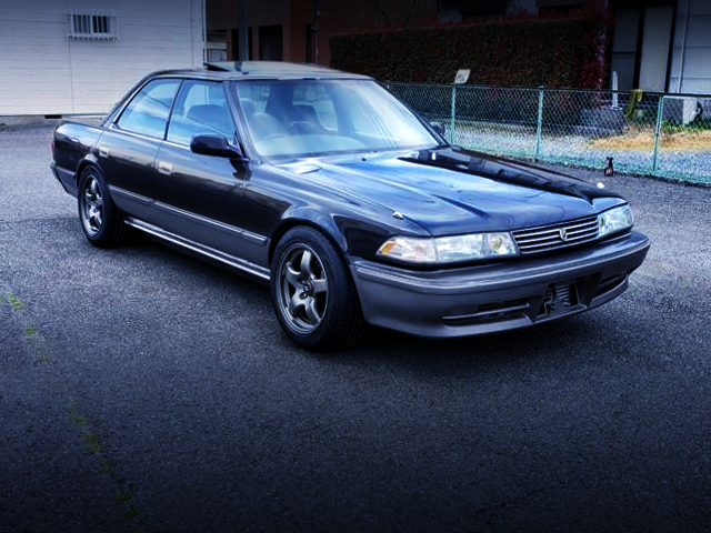 FRONT EXTERIOR OF JZX81 MARK2 BLACK AND SILVER TWO-TONE.
