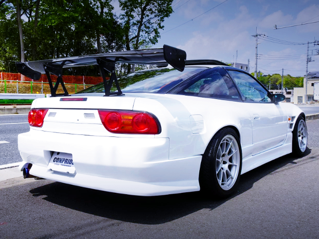 REAR EXTERIOR OF 180SX TYPE-X TO WHITE COLOR.