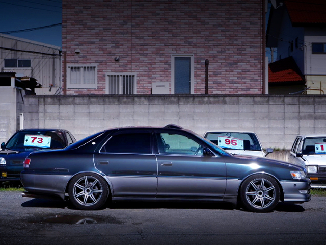 RIGHT SIDE EXTERIOR OF JZX100 CRESTA EXCEED.
