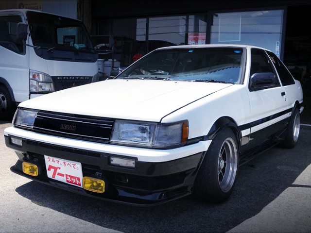 FRONT EXTERIOR OF AE86 LEVIN GT-APEX.