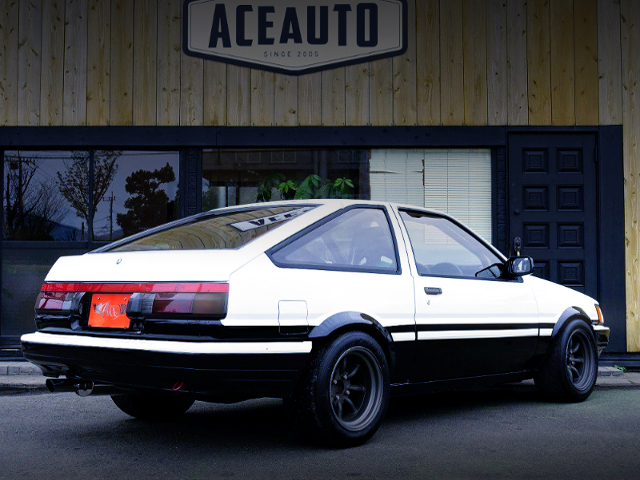 REAR EXTERIOR OF AE86 LEVIN HATCH.