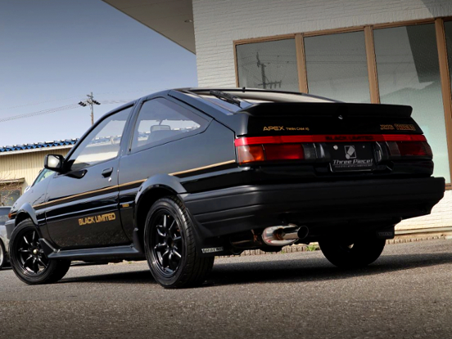 REAR EXTERIOR OF AE86 TRUENO BLACK LIMITED.