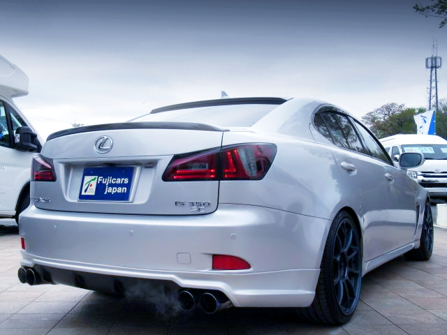 REAR EXTERIOR OF GSE21 LEXUS IS 350 F-SPORT.