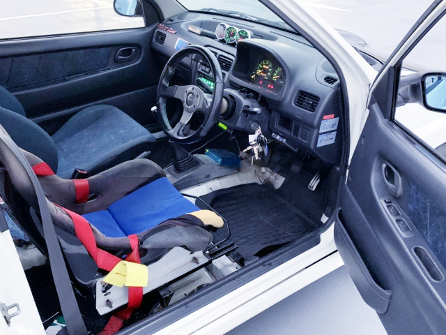 INTERIOR OF HA21S SUZUKI ALTOWORKS RS/Z.