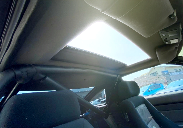 SUNROOF OF JZA70 SUPRA INTERIOR.