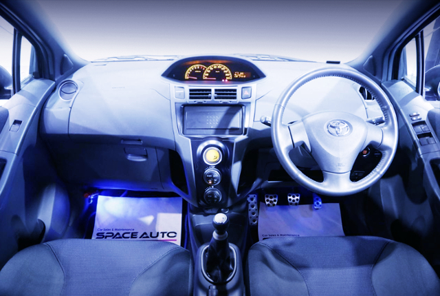 INTERIOR DASHBOARD OF NCP91 VITZ RS.