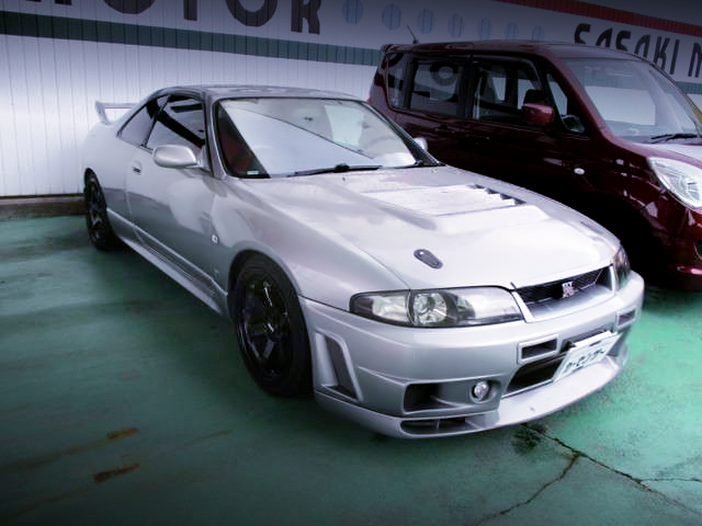 FRONT EXTERIOR OF R33 GT-R SILVER.