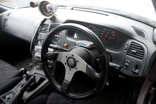 R33GT-R DRIVER'S DASHBOARD.