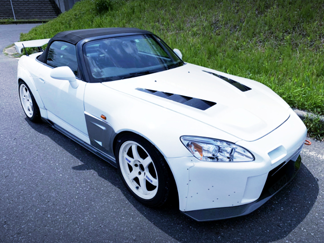 FRONT EXTERIOR OF AP1 S2000 WIDEBODY.