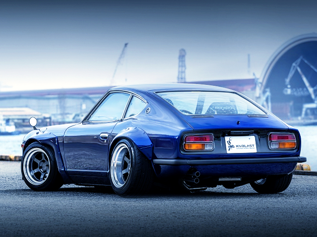 REAR EXTERIOR OF S30 FAIRLADY Z BLUE.
