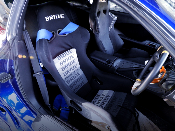 DRIVER'S BRIDE FULL BUCKET SEAT.
