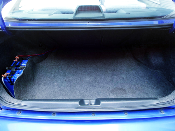TRUNK ROOM OF JDM ZENKI EJ7 CIVIC COUPE.