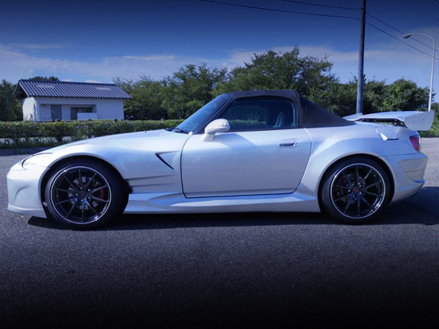 LEFT SIDE TO EXTERIOR OF AP1 S2000 WIDEBODY.