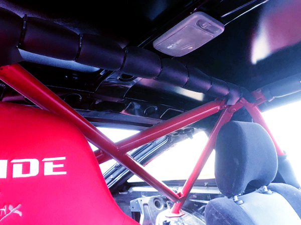 ROLL BAR INSTALLED 180SX INTERIOR.