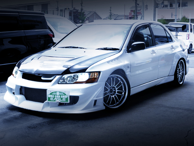 FRONT EXTERIOR OF EVO8 RS WHITE PAINT.