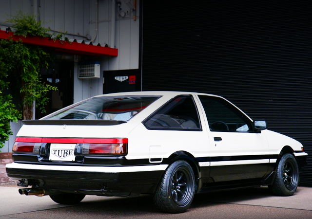 REAR EXTERIOR OF AE85 TRUENO 1500SR.
