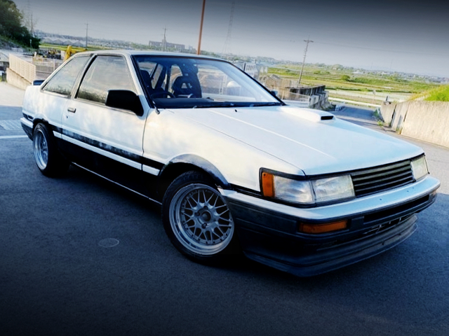 FRONT EXTERIOR OF AE86 LEVIN TO HITECH TWO-TONE.